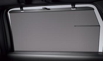 CX-8のリヤウィンドウサンシェード