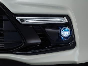 ステップワゴンモデューロX専用LEDフォグライト&フロントビームライト