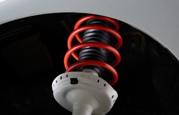 ステップワゴンモデューロXの専用サスペンション