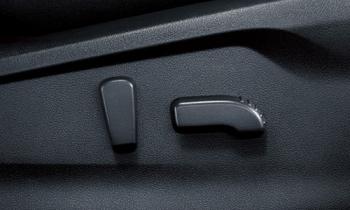 XVの運転席&助手席8ウェイパワーシートスイッチ