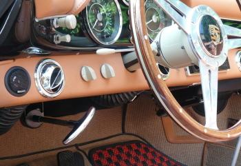 インターメカニカ 356スピードスターのインパネ