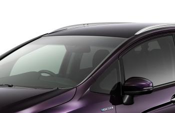 スーパーUVカット、遮音機能付フロントウインドガラス